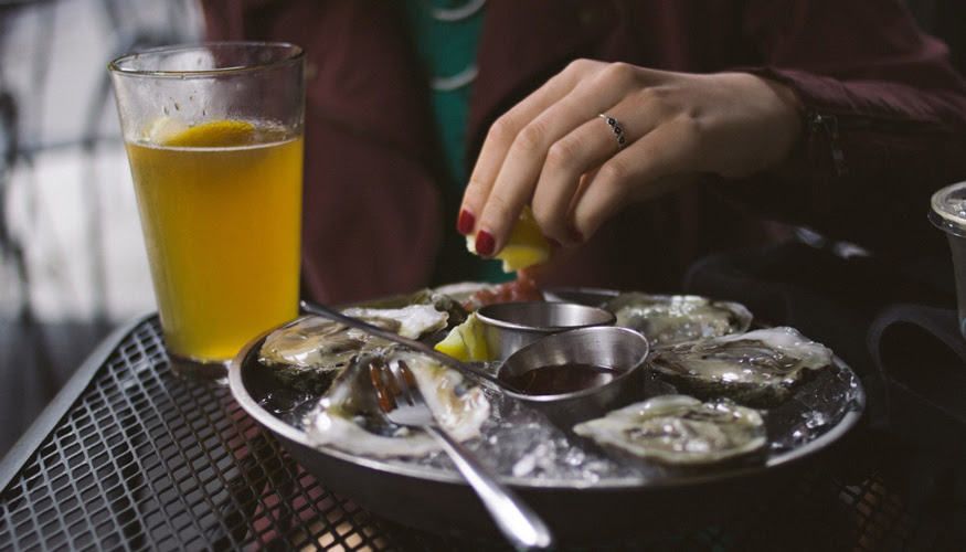 Treat Yourself to Oysters at Local Restaurants this Holiday Season!